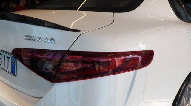 Alfa Romeo Giulia: interni e altre caratteristiche (FOTO)