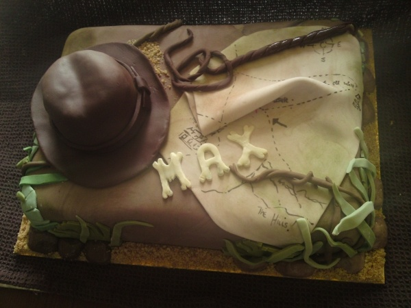 Father's day idea: Indiana Jones themed cake