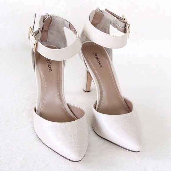 ☀️SALE☀️ ✨HP✨ Cream Pointy Heels These heels are perfect for any shoe collection! Can be worn with casual and dressy outfits. Excellent condition. One scuff mark on right heel (Can be seen in the last photo). Comes with shoe box. ✨Size 5, but fits more like a 5.5. Style & Co Shoes Heels