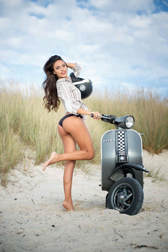 vespa with sexy girl nsked