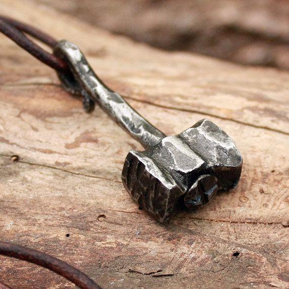 Fer forgé à la main lourde Thor Hammer 2 Vikings outil pendentif collier de chasse