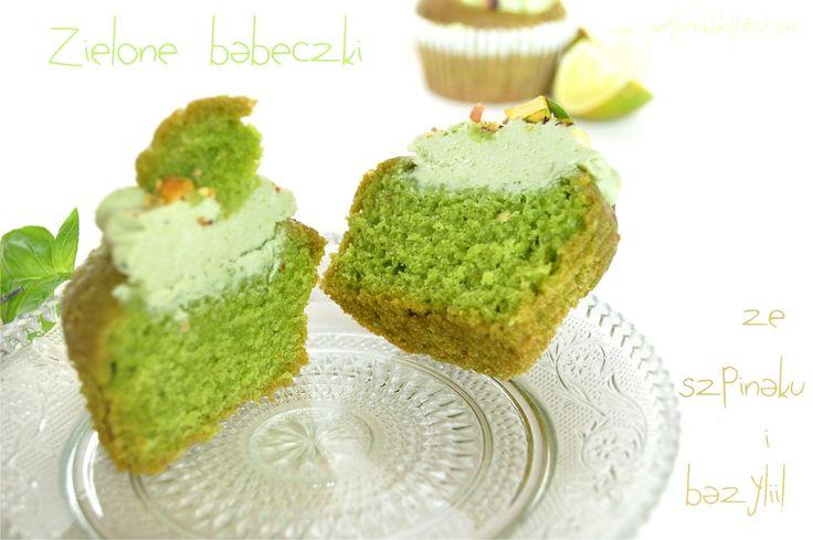 wegarnik: Zielone babeczki bazyliowo- szpinakowe z pistacjami i limonką