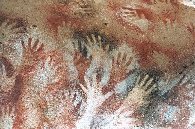 Pinturas Rupestres en la Cueva de las Manos (aprox. 12.000 años de antigüedad) - Patagonia Argentina