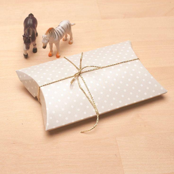 sweet light gray/white dots pillow gift boxes