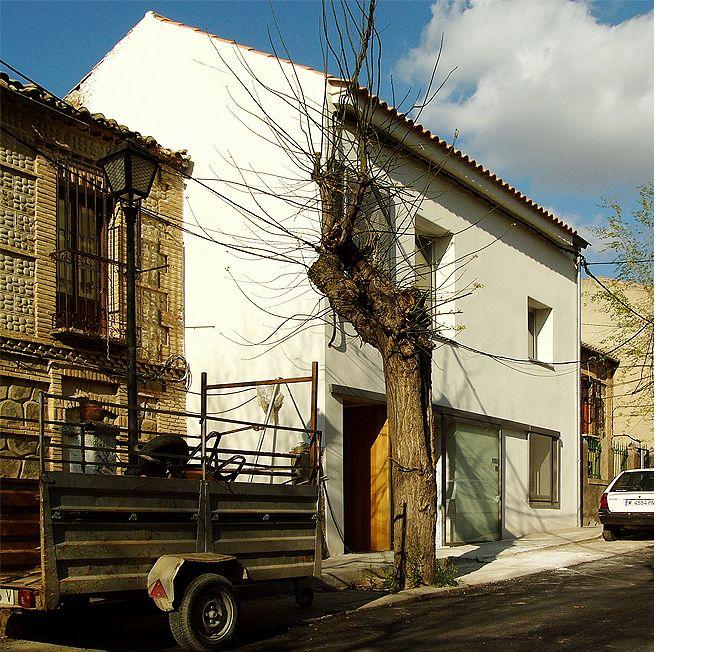 Six Patio Houses In Toledo, Spain. By Romero Vallejo. Photo: Juan Carlos
