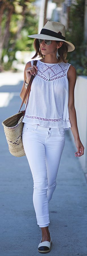 White jeans style