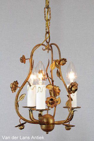 Italiaanse kroonluchter 26054 bij Van der Lans Antiek. Meer exclusieve lampen op www.lansantiek.com