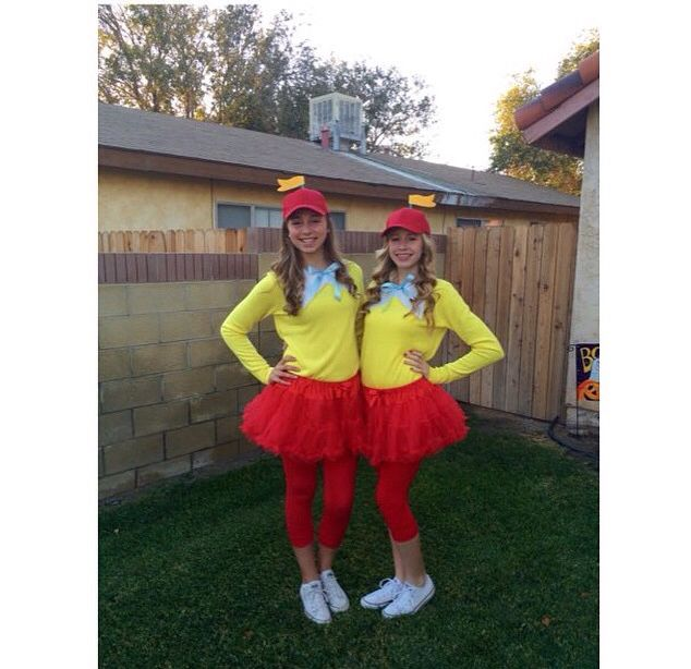 Cute Halloween Costume ideas! Tweedle Dee and Tweedle Dum