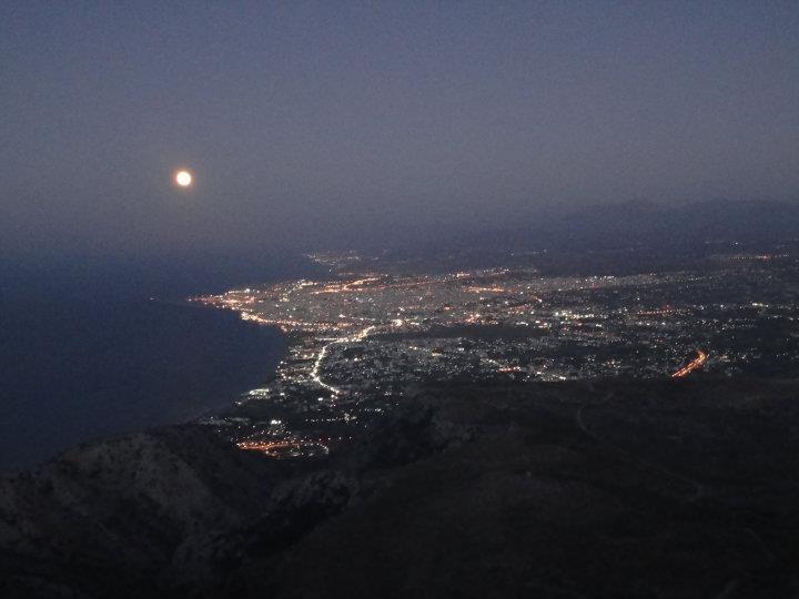 Night view of Heraklion from Strouboulas mountain