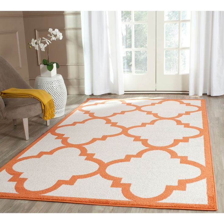 Safavieh Indoor/ Outdoor Amherst Beige/ Orange Rug (5' x 8') (AMT423F-5), Size 5' x 8'