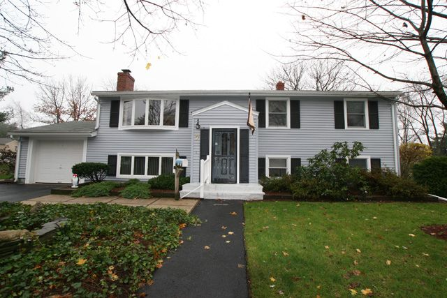 Split Level Entry Remodel Hampshire Road Peabody Ma Home For Sale 399 000 Ma Real Estate