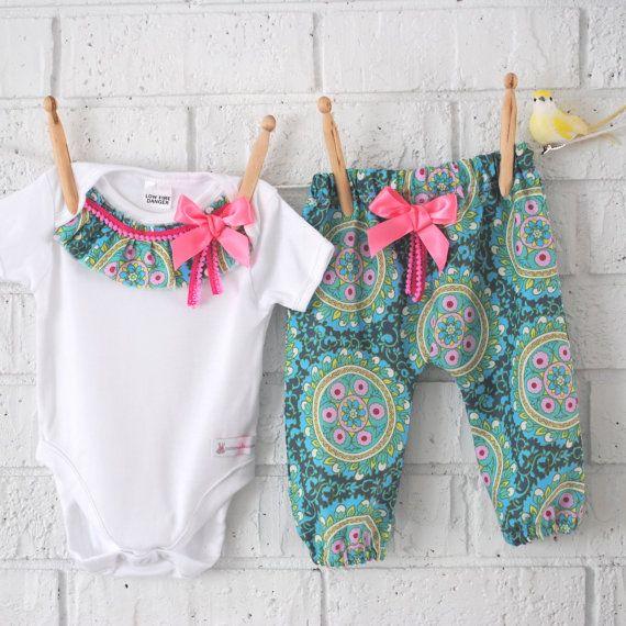 Pantalones de chica Harem bohemio y Body bebé por BubbyMakesThree