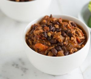 Total 10 Turkey Chili is a protein-packed satisfying recipe that you can eat on the weekends while watching tv or gathering with family and friends. Get the full recipe at: http://dr-oz.com/dr-ozs-total-10-turkey-chili-recipe