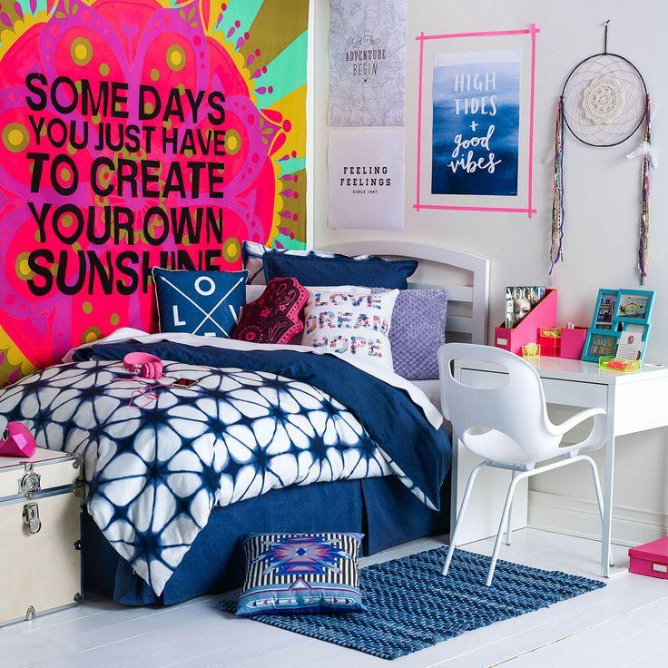 Hippie Dorm Room