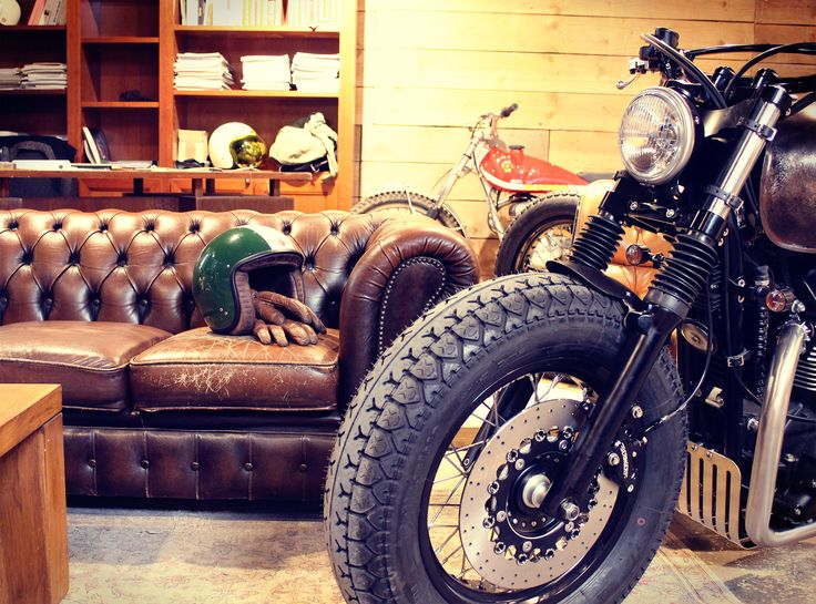 Atmosphere at the workshop... Our Triumph Bonneville Bobber waiting to hit the road again.