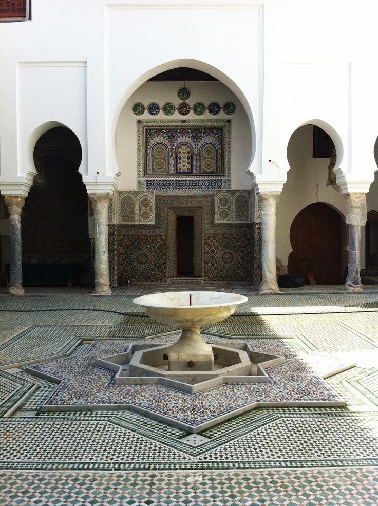 moulay idriss shrine courtyard, fes morocco, architecture photography, wardululu alsaffar