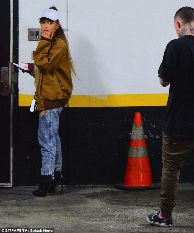 They're inseparable! Ariana Grande leaves VMA rehearsals with new boyfriend Mac Miller as she mirrors his style in funky bomber and baggy jeans | Daily Mail Online