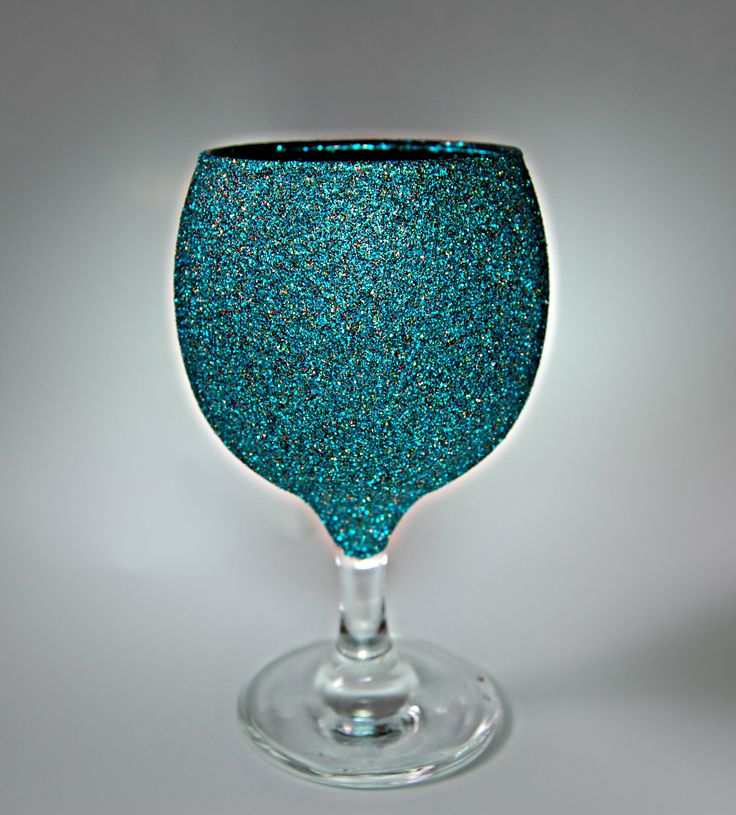 High quality short stem wine glass with glittered vessel.  Choose your preferred glitter colour using the colour chart within the profile pictures album. Simply click the picture to open the full chart.  Cost: £5.00 per glass. Pinterest Special Offer: Buy 4 glasses for just £17.00.  Shipping within UK: £5.00 flat rate up to 6 glasses.