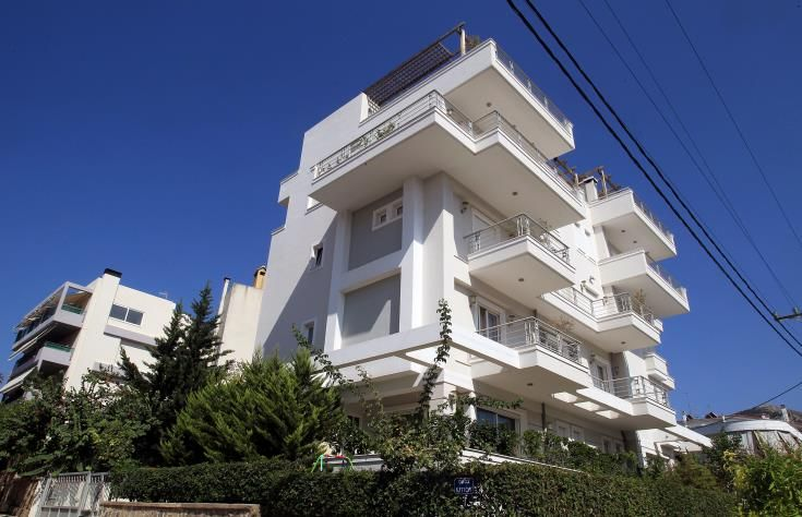 Έπεσαν κατακόρυφα οι τιμές των ακινήτων στην Ελλάδα, σύμφωνα και με επίσημα στοιχεία