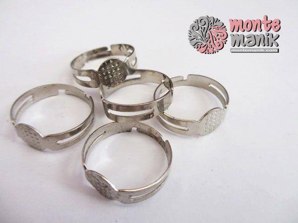 http://montemanik.com/product/cincin-plat-kecil/ Cincin Plat Kecil Diameter 2,5 cm Warna Nikel  bahan craft, cincin kreasi, cincin plat, manik-manik, montemanik -  - #BahanCraft, #CincinKreasi, #CincinPlat, #ManikManik, #Montemanik -