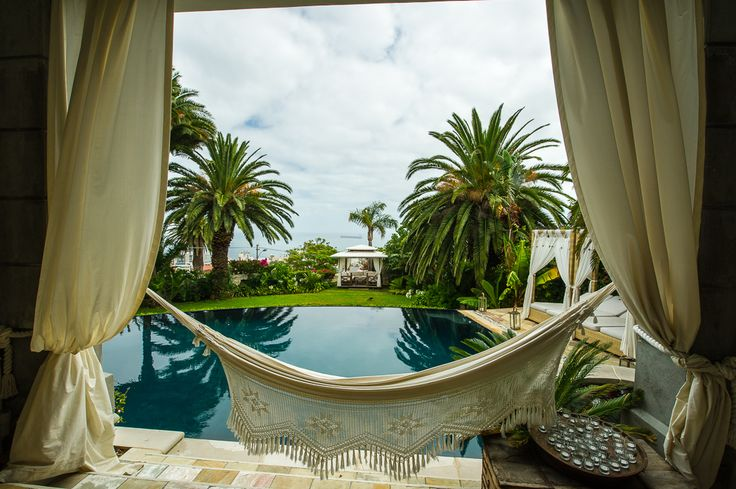 Private home in Cape Town, South Africa as the venue.    #travel #opulentliving #laprairie