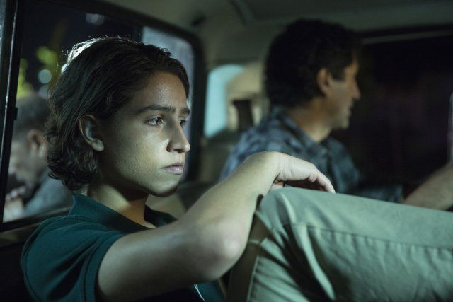 Cliff Curtis and Lorenzo James Henrie in Fear the Walking Dead (2015)