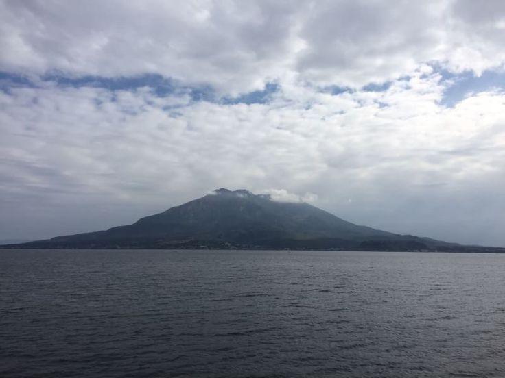 おはようございます(^o^)/  今日の桜島は雨のため過去のライブラリからの投稿です。  バドミントンファイナル、桃田選手と奥原選手、見事に優勝しましたね!  最近はいろんなスポーツでの日本人の活躍が目立ってますね。  今日も1日、元気に頑張っていきましょう!