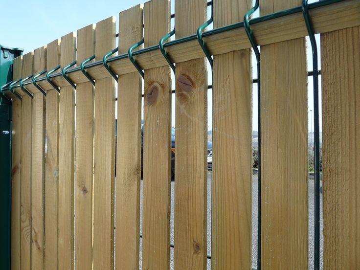 Les clôtures occultantes en bois type Aquiwood par la SBFM, société bordelaise de fabrication métallique à Eysines près de Bordeaux en Gironde.