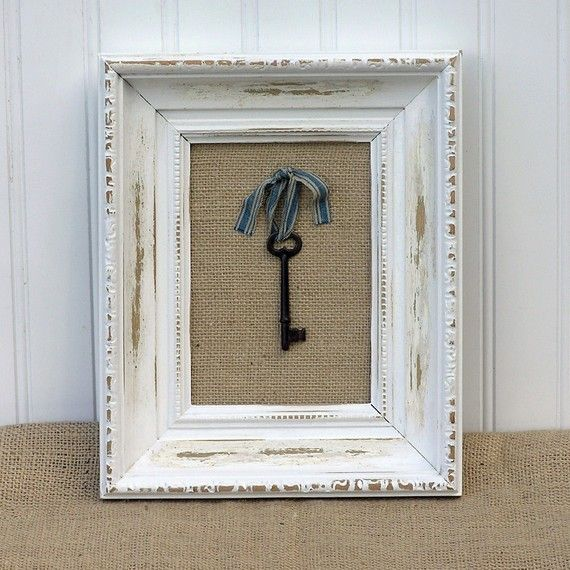 love skeleton keys and then paired with a shabby frame. love.