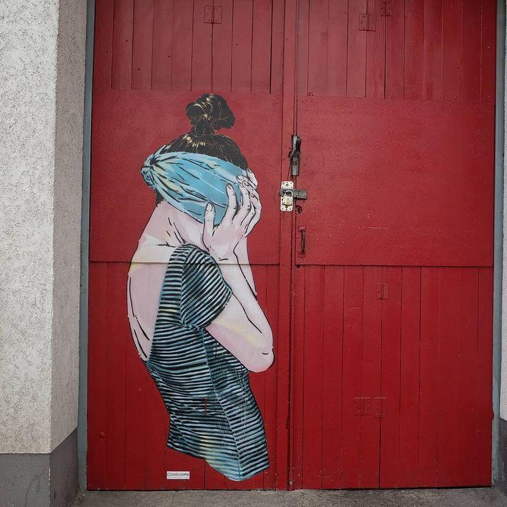 **Bilker Allee ,  Friedrichstadt ** #düsseldorf #dusseldorf #duesseldorf #nrw #friedrichstadt #lovedüsseldorf #ig_düsseldorf #landeshauptstadt #dus #schönstestadtamrhein #0211 #nullzwoelf #thisisdüsseldorf #mydüsseldorf #likedüsseldorf #grafitti #art #wallart #instagrafitti #sprayart #spray #streetart #spraypaint  #wall #instalikes #urbanart #streetartatlasdüsseldorf #taglifegraffiti #40gradurbanartfestival #40gradurbanart