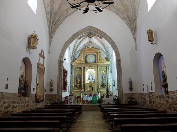 Iglesia de la Asunción. Tiene una única nave.