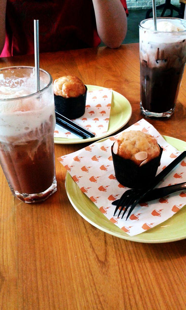 Banana muffin @ Koultoura Coffee