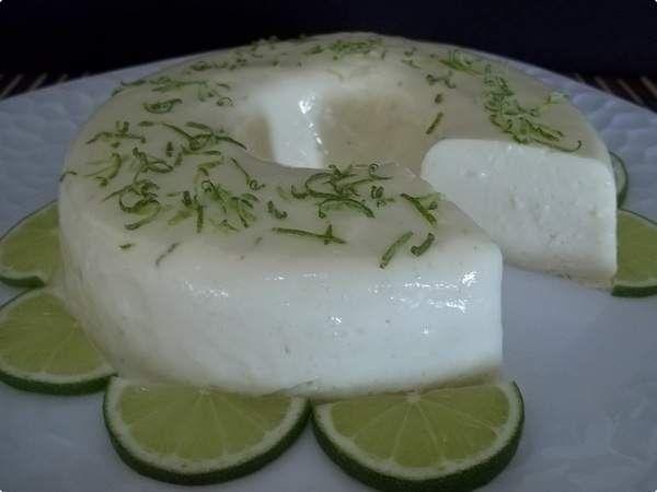 O Flan de Limão é uma sobremesa deliciosa, refrescante e fácil de fazer. Faça hoje mesmo. Com certeza a família inteira vai aprovar! Veja Também:Flan Pres