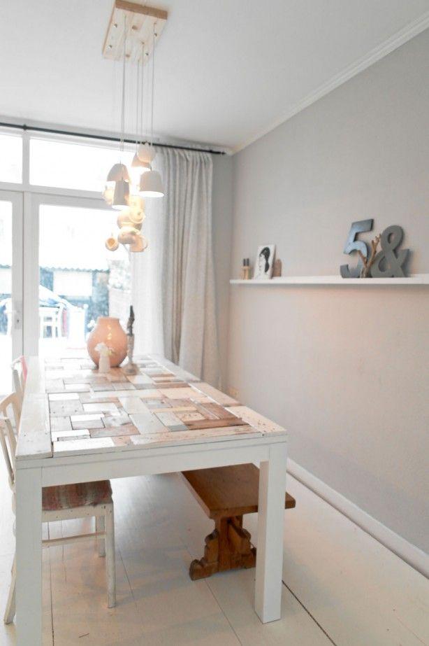 Mooie kleur op de muur taupe grey gevonden op 101woonideeen inrichting pinterest grey - Kleur taupe ...