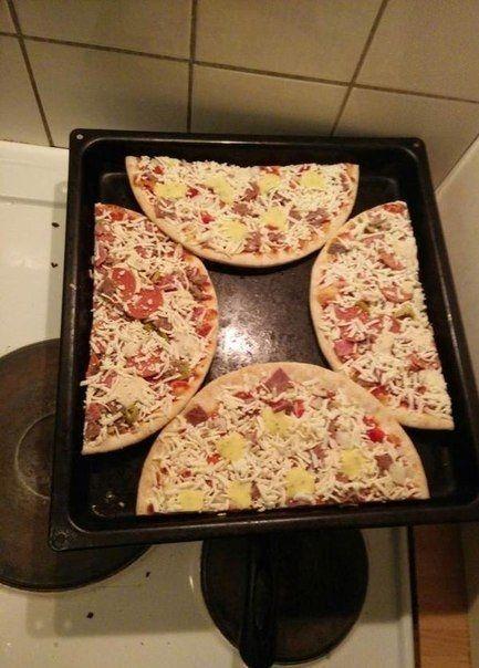 Как приготовить 2 пиццы за раз.