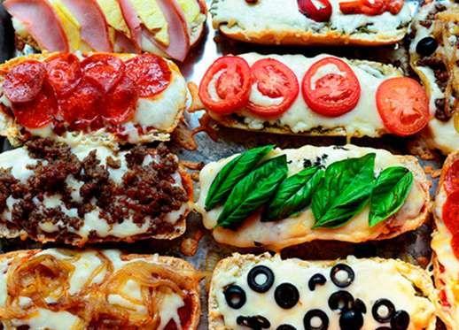 Mini French Bread Pizzas - Pioneer Woman recipe