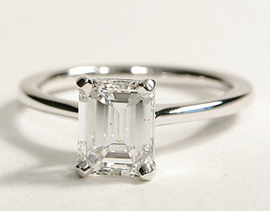 so perfect! 1.55 ct emerald cut finally...a simple Emerald cut (always to much fluff around the emerald cut rings)