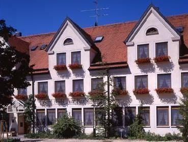 Hotel Krehl - 3 Star #Hotel - $77 - #Hotels #Germany #Laichingen http://www.justigo.com/hotels/germany/laichingen/krehl_198740.html