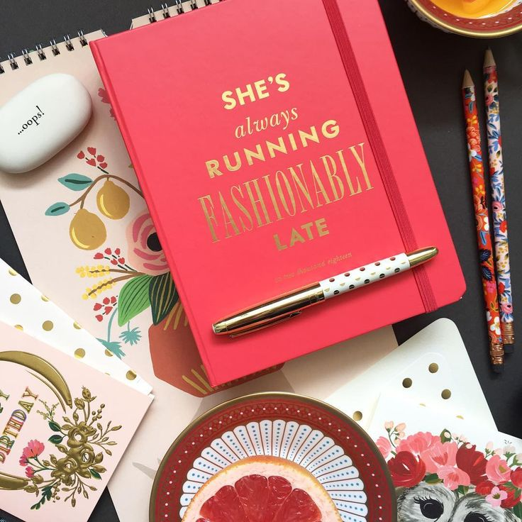 In the spirit of all things fashion we thought our Kate Spade Fashionably Late Agenda deserved a mention today. Oh so stylish and incredibly practical ❤️❤️❤️#thepaperparlouruk #londonfashionweek #katespade #agenda #stationeryaddict