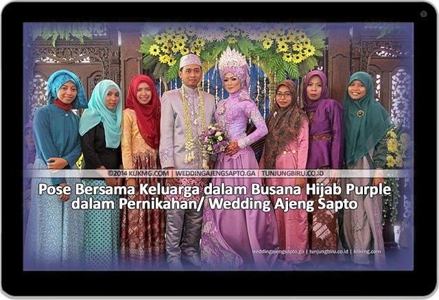 blog.klikmg.com - Fotografer Jakarta: Pose Bersama Keluarga dalam Busana Hijab Purple Wedding Ajeng Sapto | Tata rias oleh : Tunjungbiru.co.id | Foto oleh : Klikmg Fotografi