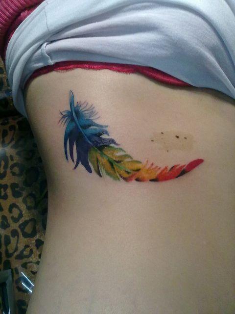 pluma by Tatuajes Alejandro Tilleria, via Flickr