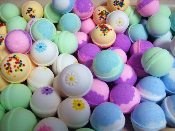 Il Calderone Alchemico Cosmesi Home Made: BATH BOMB