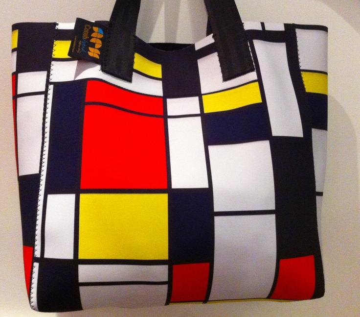 Mondrian Kaba large, merci a Jean Pierre Mondrian pour ça contribution au patrimoine colorifique