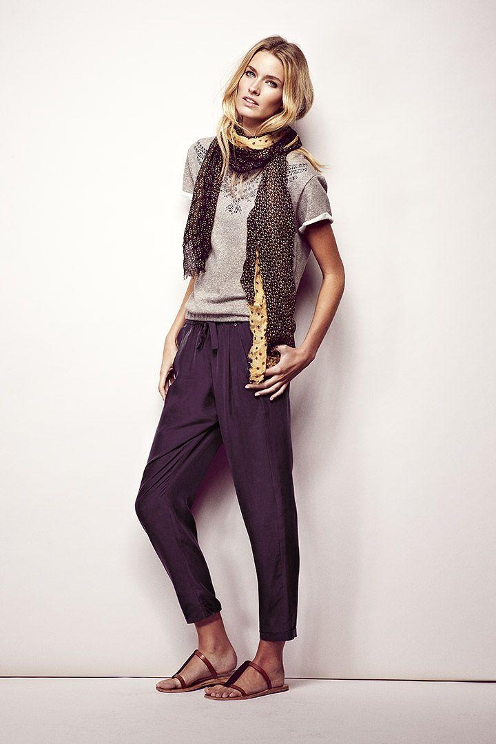 Look de la marca de ropa IKKS Mujer: Chaqueta entallada y pantalones loose