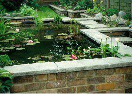 I want a raised brick build pond.... lovely