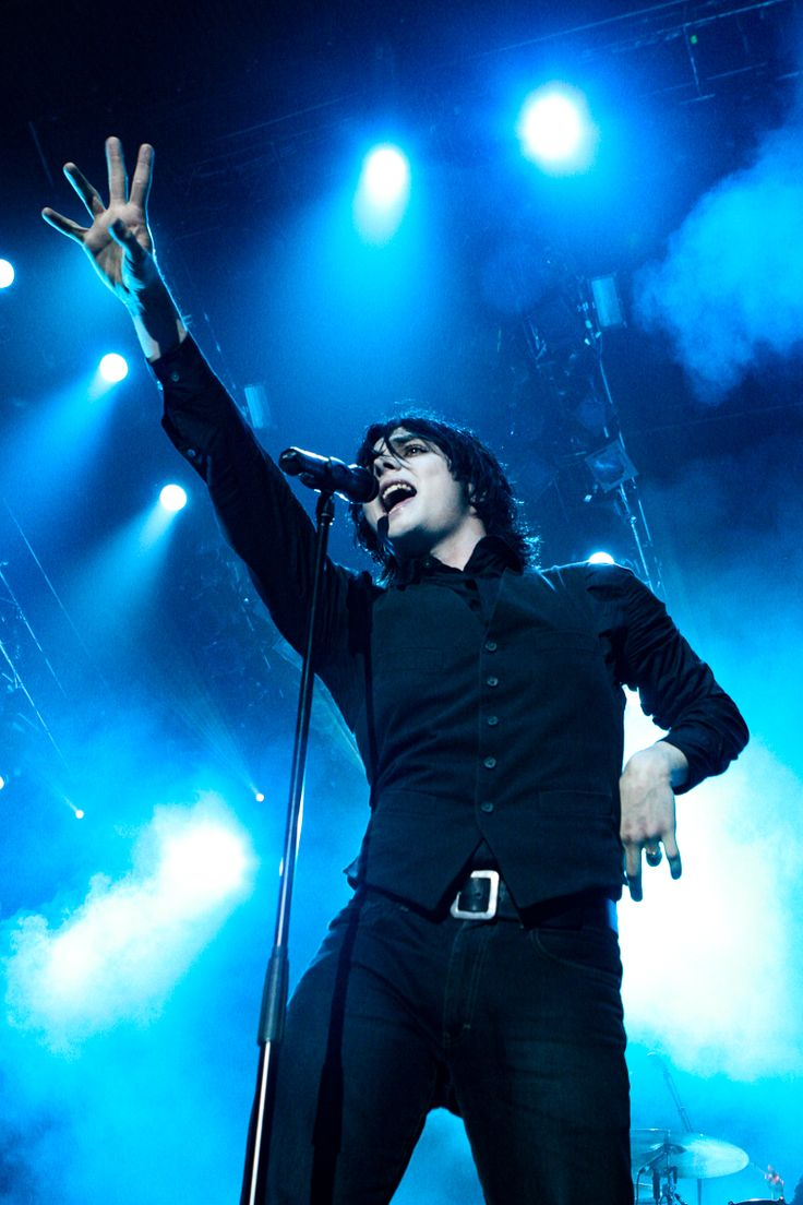 1098 Best Gerard Way Images On Pinterest My Chemical Romance