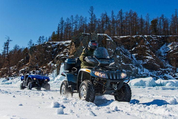 Одно из самых захватывающих приключений этой весны - сафари на квадроциклах по Байкальскому льду.