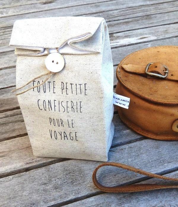 Pochon en lin et coton écru pour petite confiserie de voyage imprimé vintage : Etuis, mini sacs par garance-kaki