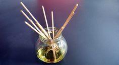Souvent, les diffuseurs pour huiles essentielles sont assez onéreux. Aujourd'hui, je vous montre comment en fabriquer un vous-même, avec des matériaux très simples.