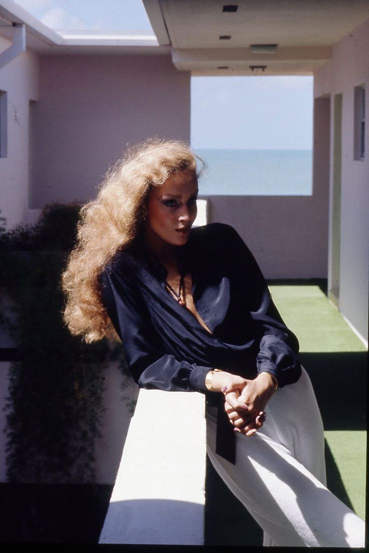 Jerry Hall by Helmut Newton for Vogue January 1975